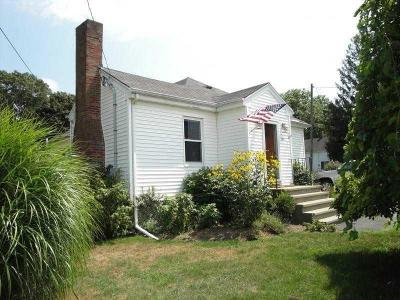 Tiverton Single Family Home For Sale: 780 Main Rd