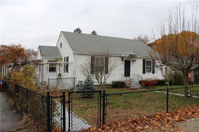 North Providence Single Family Home For Sale: 210 Waterman Av