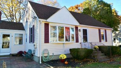 West Warwick Single Family Home For Sale: 135 Lockwood St