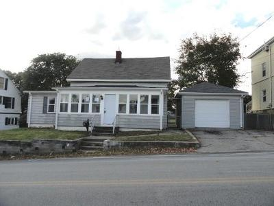 West Warwick Single Family Home For Sale: 28 Clyde St