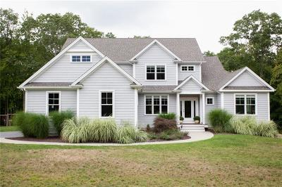 Single Family Home For Sale: 7 Tiffany Lane