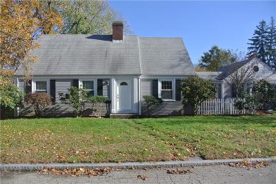 East Providence Single Family Home For Sale: 1 Mayfair Dr