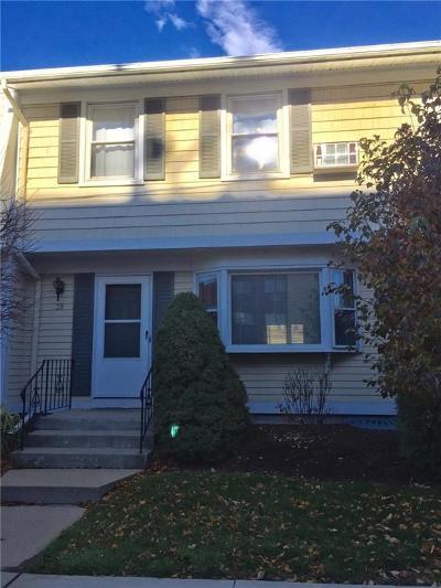 Pawtucket Condo/Townhouse For Sale: 39 Geneva St, Unit#39 #39