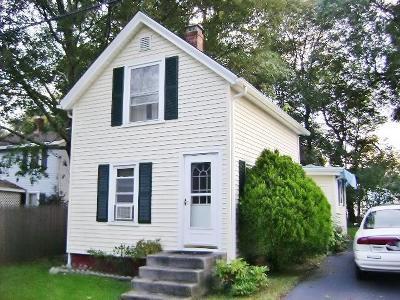Warwick Single Family Home For Sale: 49 Fairhaven Av