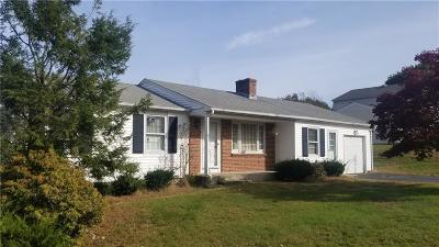 West Warwick Single Family Home For Sale: 78 Tanglewood Dr
