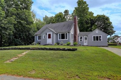 Cumberland Single Family Home For Sale: 59 Angell Rd
