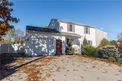 Warwick Single Family Home For Sale: 191 Blade St