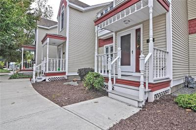 Cumberland RI Condo/Townhouse For Sale: $210,000