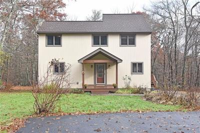 Coventry Single Family Home For Sale: 924 Hill Farm Rd