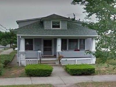 Providence RI Single Family Home For Sale: $155,000