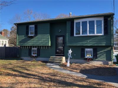 Warwick Single Family Home For Sale: 14 Gateway Ct