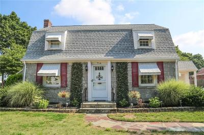 Pawtucket Single Family Home For Sale: 716 Benefit St