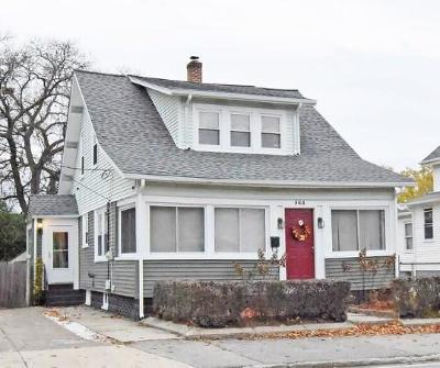 Pawtucket Single Family Home For Sale: 564 Cottage St