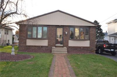 Providence County Single Family Home For Sale: 16 Penrose St