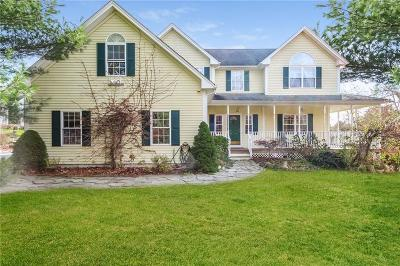 South Kingstown Single Family Home For Sale: 20 Caitlin Ct