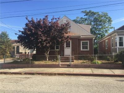 Providence RI Single Family Home For Sale: $183,000