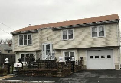 East Providence Single Family Home For Sale: 40 Richfield Av