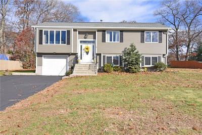 Johnston Single Family Home For Sale: 10 Young Lane