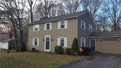 Cumberland Single Family Home For Sale: 75 Countryside Dr