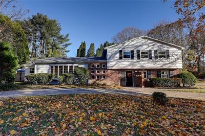South Kingstown Single Family Home Act Und Contract: 147 Oakwoods Dr