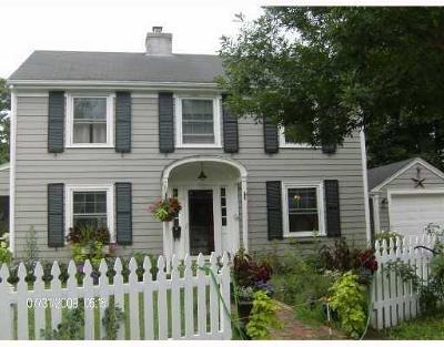 East Providence Single Family Home For Sale: 35 Firglade Av