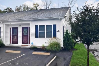 Cranston Condo/Townhouse For Sale: 16 Graycoach Lane, Unit#1616 #1616