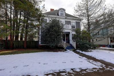 Providence County Single Family Home For Sale: 257 Olney St