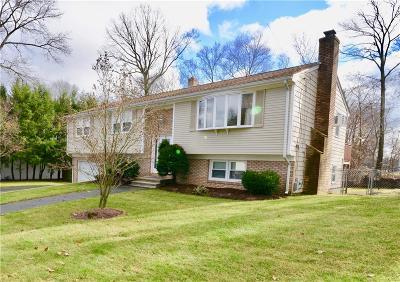 Johnston RI Single Family Home For Sale: $309,000