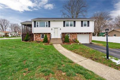 Cumberland Single Family Home For Sale: 21 Cadoret Dr