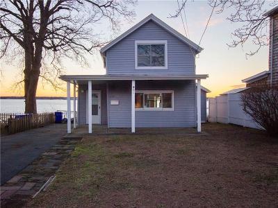 East Providence Single Family Home For Sale: 210 Narragansett Av