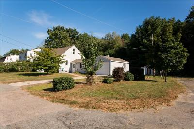 North Kingstown Single Family Home For Sale: 70 Hancock Dr