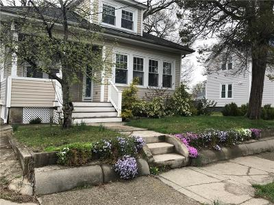 Cranston Single Family Home For Sale: 323 Auburn St