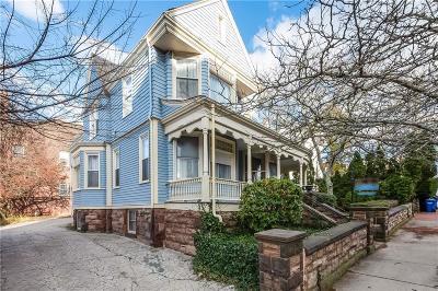 Newport Single Family Home For Sale: 60 Pelham St