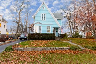 Cranston Single Family Home For Sale: 229 Woodbine St
