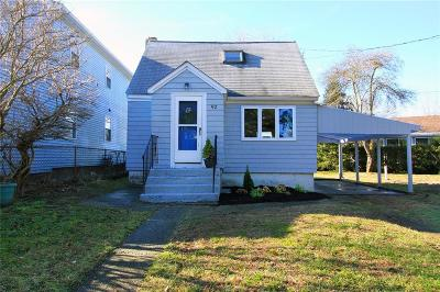 Portsmouth Single Family Home For Sale: 92 Cove St