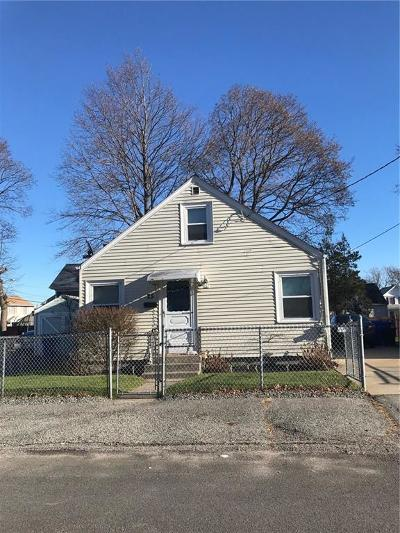 Pawtucket Single Family Home For Sale: 25 Rufus St