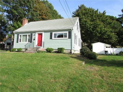 East Providence Single Family Home For Sale: 90 Delway Rd