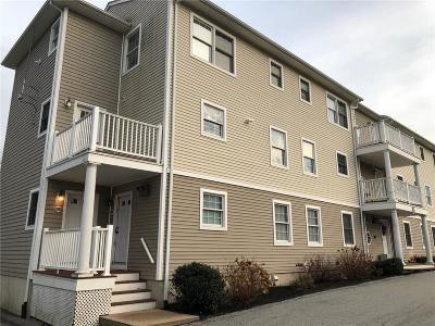 Newport RI Condo/Townhouse For Sale: $209,000