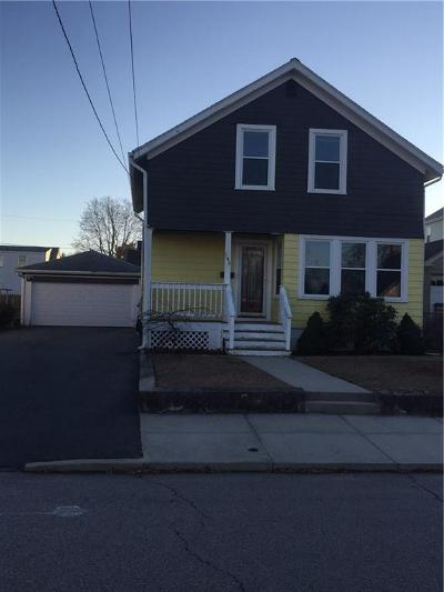 Pawtucket Single Family Home For Sale: 145 Warwick Rd