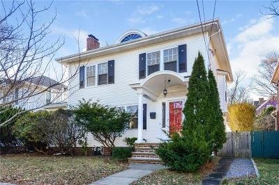 Providence RI Single Family Home For Sale: $405,000