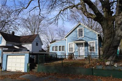 East Providence RI Single Family Home For Sale: $149,999