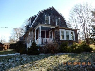 South Kingstown Single Family Home For Sale: 40 Brown St