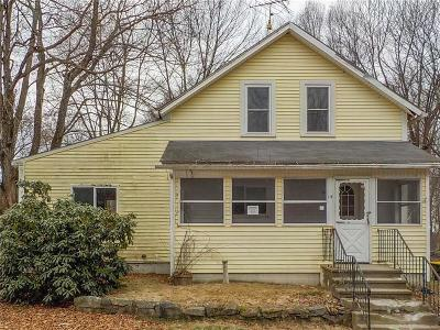 Providence County Single Family Home For Sale: 14 Pichie Lane