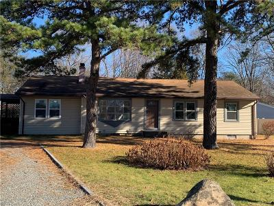 North Kingstown Single Family Home For Sale: 66 Greenmeadow Cir