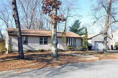 Lincoln Single Family Home For Sale: 22 Linfield Cir