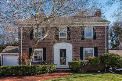 Pawtucket Single Family Home Act Und Contract: 64 Capwell Av