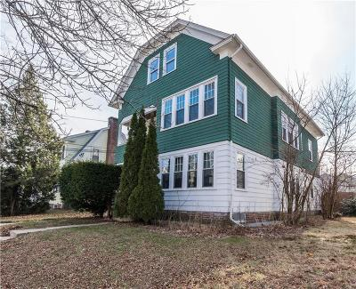 Providence RI Multi Family Home For Sale: $409,000