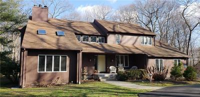 Cranston Single Family Home For Sale: 130 Beechwood Dr