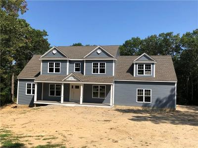 South Kingstown Single Family Home For Sale: 125 Darlene Dr