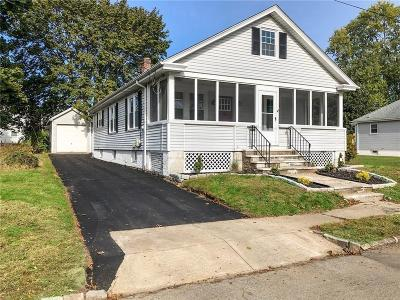 Cranston Single Family Home For Sale: 68 Dixwell Av